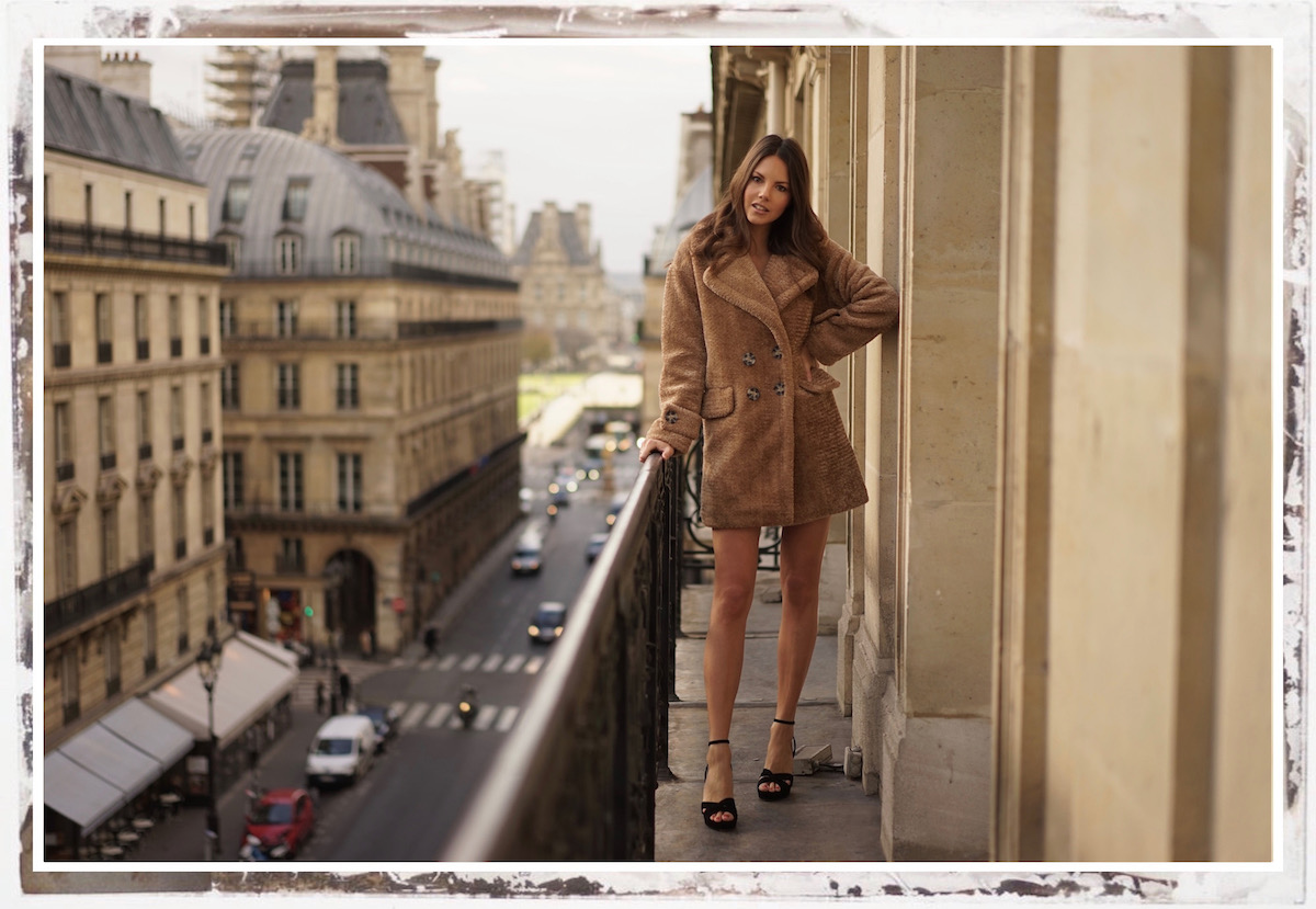 Teddy Coat Paris Balcony